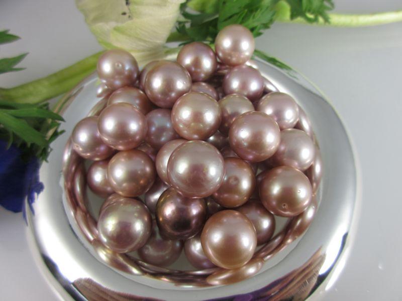 fliederfarbene Perlen
