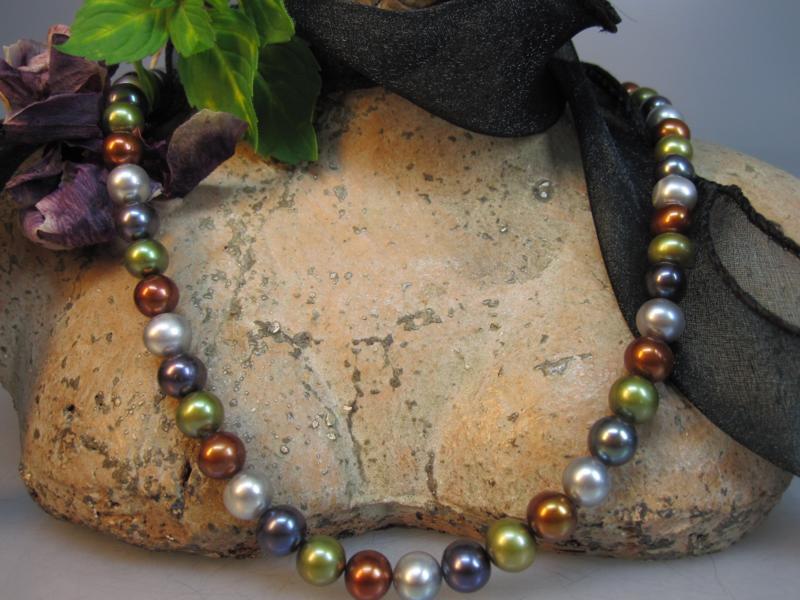 gefärbte Perlen
