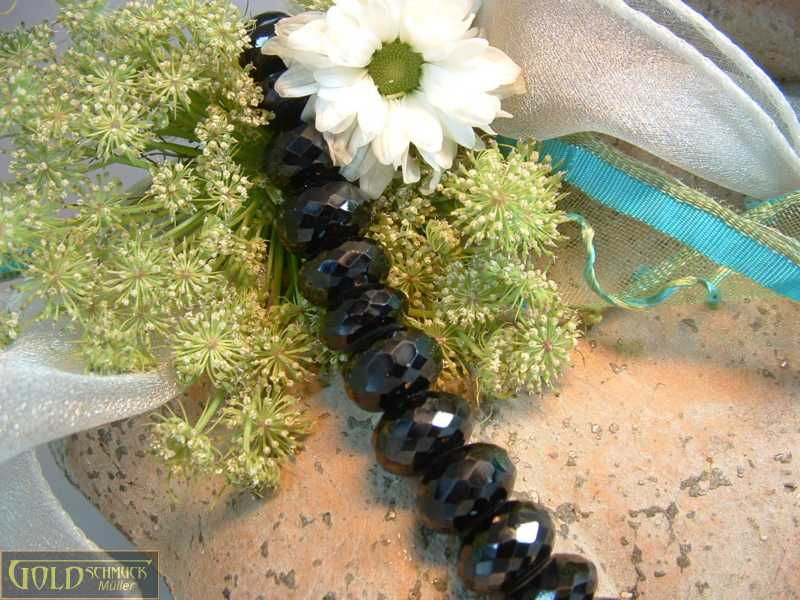 Spinell Halskette
