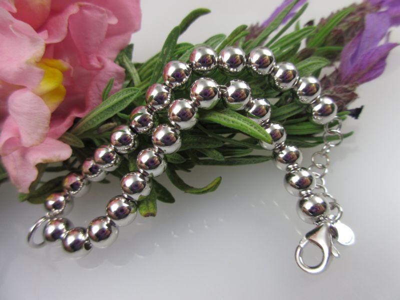 Armband mit Silberkugeln