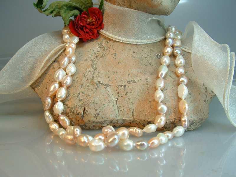 Perlenkette lang barock