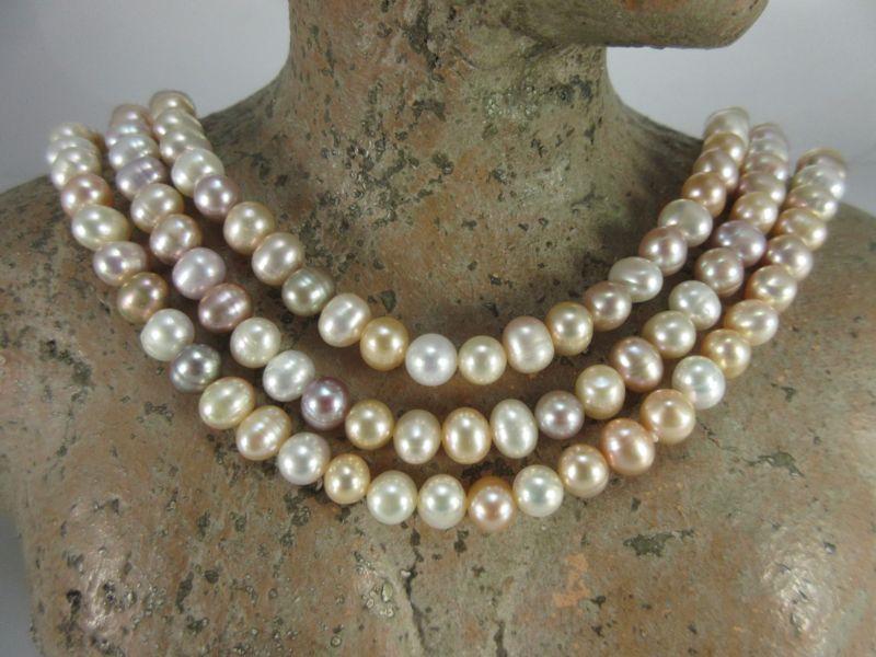 Perlenkette spiegelnd