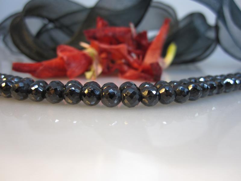 Spinell schwarzer Diamant