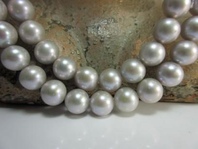 Perlen silbern