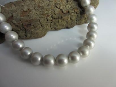 Perlenkette Strang