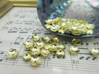 Perlkappen golden