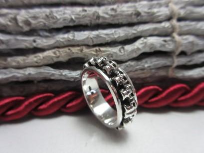 Ring Totenkopf