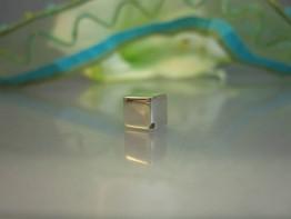 ZS186 -- 925er Silber Würfel in AAA-Grade 6x6mm Hochglanz