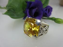 Designerring aus massivem 925er Silber mit gelbem Zirkonia