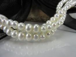 Perlenkette oval weiß 7x6mm mit schönem Lüster