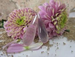 Traumhafte Rosenquarze für Ohrschmuck - 1 Paar Pampelschliff