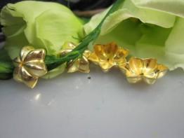 ZS505 -- Neu : 4 Kupfer vergoldet Perlkappen in Blütenform