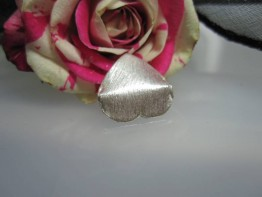 ZS531 -- Neu : 6 Stück Kupfer versilbert Herz mattiert