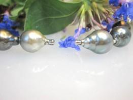 Dienstleistung: Perlenstrang knoten und Wechsel-Schlüssel einset