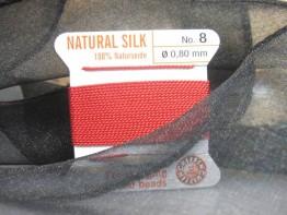 Rotes Perlgarn aus Naturseide
