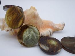 Achat gefärbt, Strang mit grün-braunen Scheiben ca. 37mm