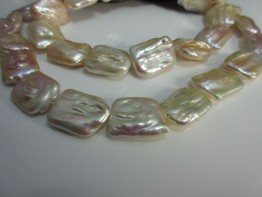 Perle barock - apricotfarben Süßwasser rechteckig 23x18mm Länge 40,5cm