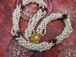 Perlenset aus Armband und Halskette 5-reihig
