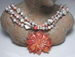 Perlenkette mehrreihig,fertige Kette 3 Farben+Perlmuttanhänger