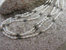 Perlenkette Saatperlen 3-reihig mit Karabinerverschluss