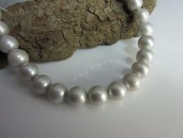 Perlenkette-Strang rund intensiv silbern 9,5-10mm Modell 4
