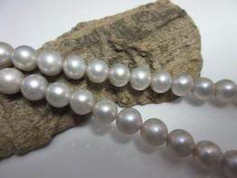 Perlenstrang rund 9mm rund sehr schöne Qualität Modell 3