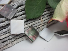 Perlmutt Strang,Quadrate diagonal,Schenkel 20mm,2-farbig