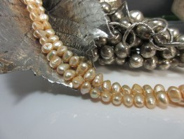 Rosafarbene Perlen, potatoe-barock Süßwasserzuchtperlen