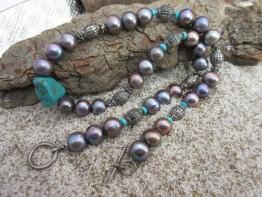Süßwasserperlen dunkel, fertige Perlenkette mit Türkis
